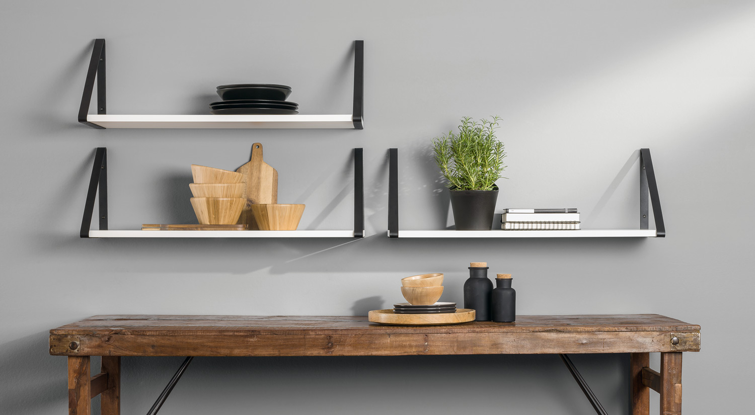 Metal Shelf Brackets - BERMUDA Metal black with shelf board cut-to-size in the living room