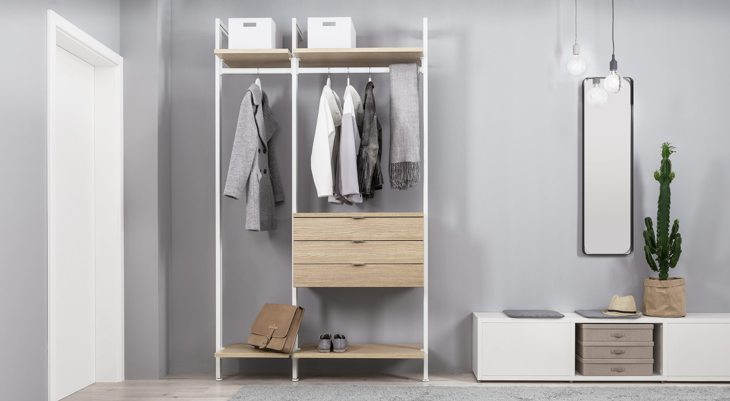 Clothes rack - wardrobe CLOS-IT shelving system in the hallway