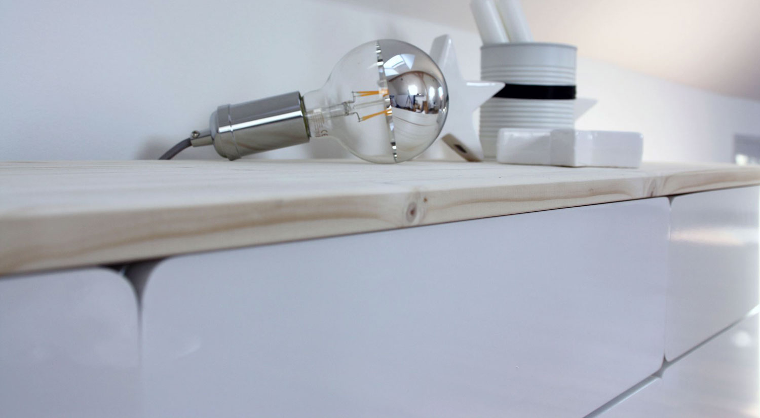 Shelves with Drawer - CASSY high gloss white closed