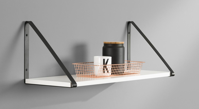 Planche étagère - Etagère sur mesure avec cornière BERMUDA métal noir dans le salon