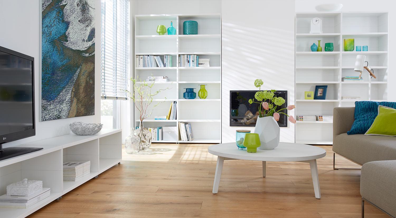 Bücherregal weiß - Case im Wohnzimmer
