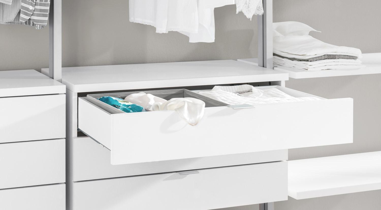 Wandregale mit Schublade - Schubladenelement im CLOS-IT Ankleidezimmer